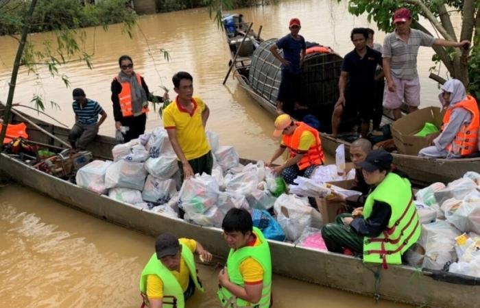 Saigon Co.op nhận đơn hàng TPHCM và giao hàng cho các tỉnh lũ lụt miền Trung