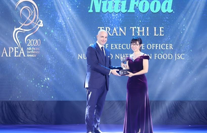 NutiFood nhận 3 giải thưởng về doanh nghiệp và lãnh đạo xuất sắc châu Á