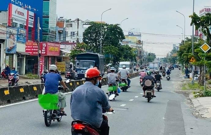 TPHCM đề nghị 4 tỉnh liền kề hỗ trợ người lao động di chuyển bằng phương tiện cá nhân