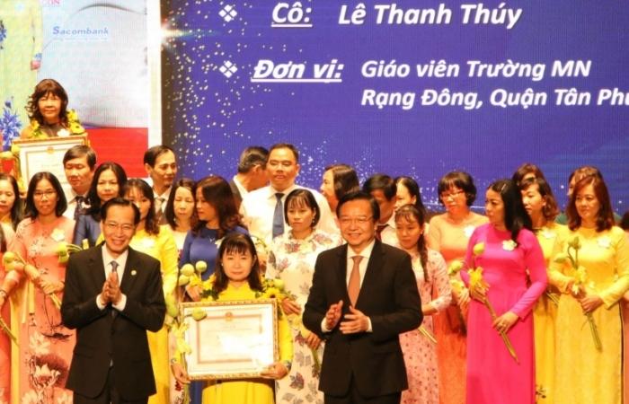 TPHCM: 50 cán bộ, giáo viên nhận giải thưởng Võ Trường Toản năm 2020