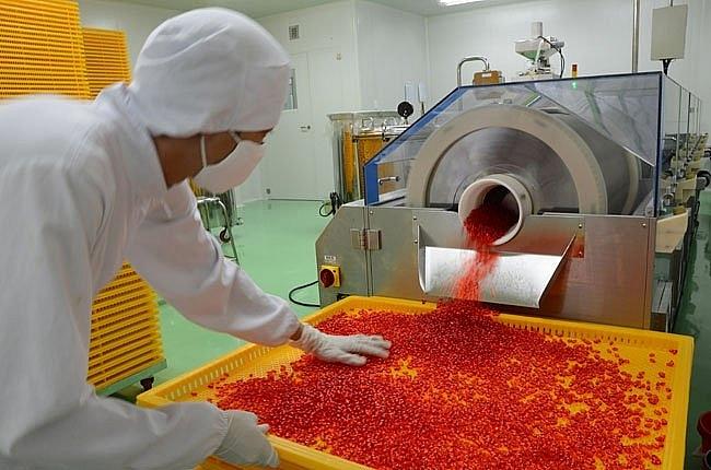 Sản xuất dược phẩm tại nhà máy dược Hậu Giang. Ảnh: ST