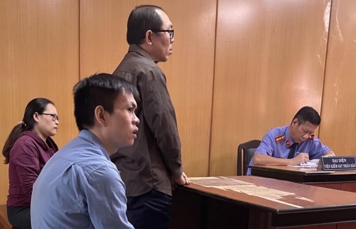 Ba giám đốc cùng lĩnh án vì buôn lậu hàng Trung Quốc