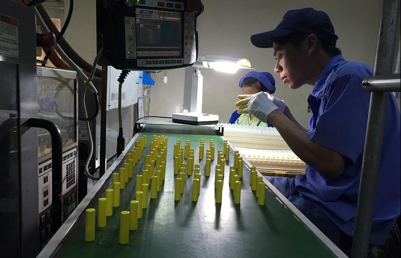 Lượng đơn hàng mới của ngành sản xuất Việt Nam tiếp tục tăng mạnh