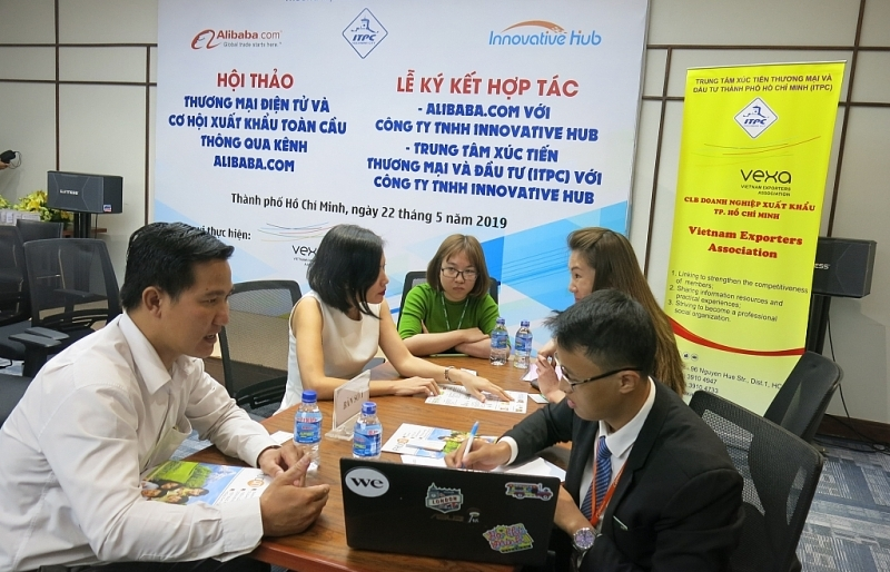 Kết nối đưa hàng Việt vào hệ thống Alibaba.com