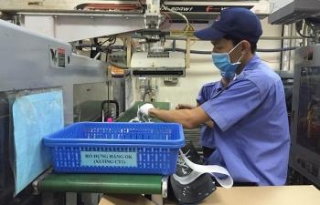 Ngành sản xuất Việt Nam tiếp tục suy giảm, nhưng mức độ đã chậm lại