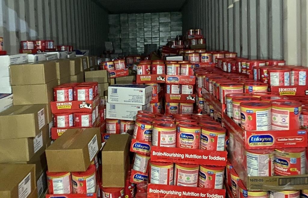 Bà Rịa – Vũng Tàu: Buộc tái xuất 2 container sữa, mật ong... vì vi phạm hàng quá cảnh