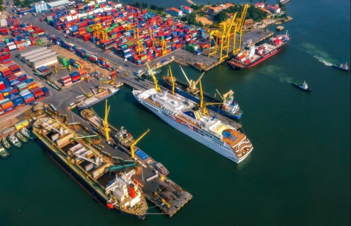 Xuất nhập khẩu tăng trưởng, nhiều doanh nghiệp cảng lãi đậm