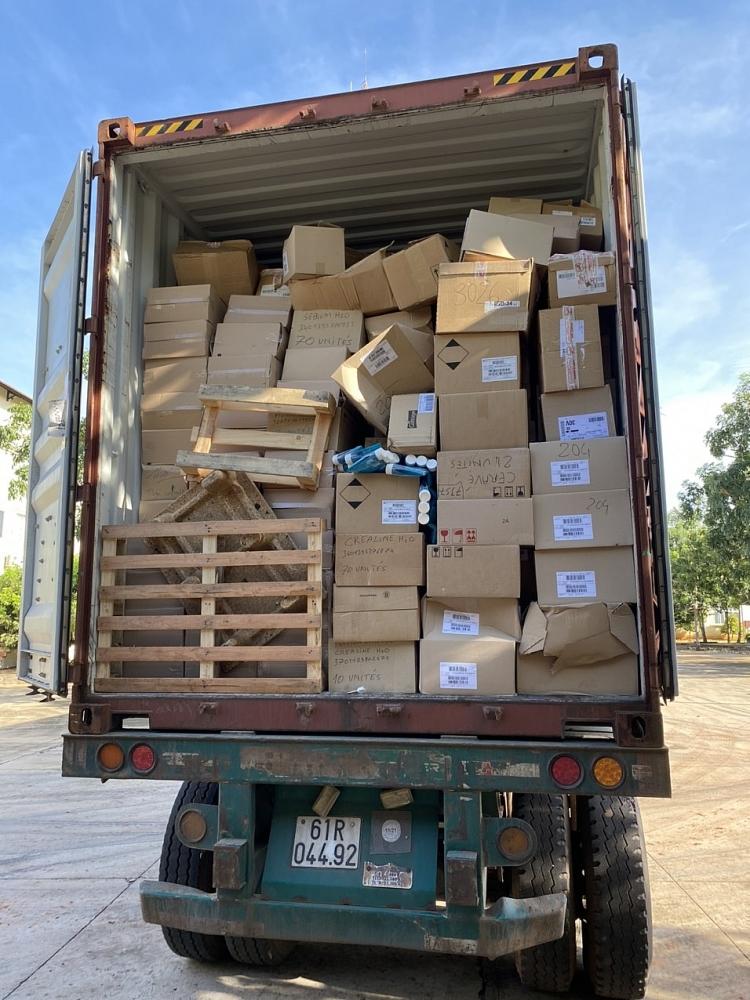 Container hàng hóa cảnh vi phạm