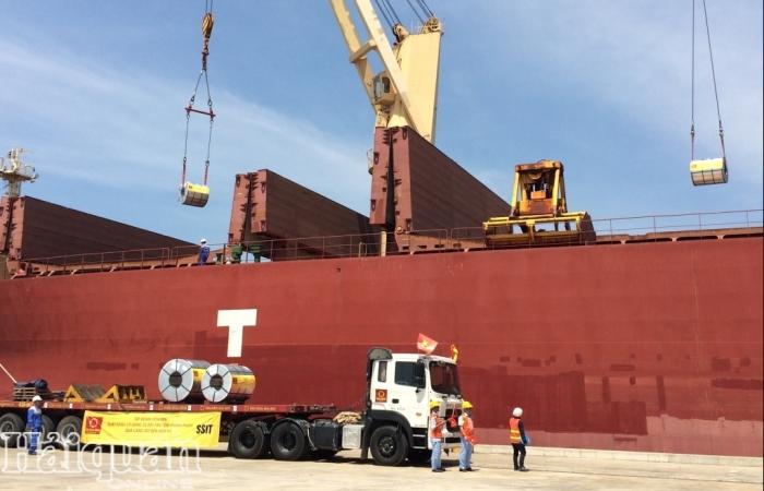 Đề xuất đấu giá 6 container nhựa phế liệu tồn đọng