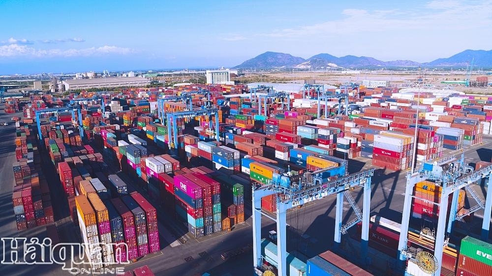 Chuỗi cung ứng tiếp tục bị gián đoạn nghiêm trọng trong tháng 8