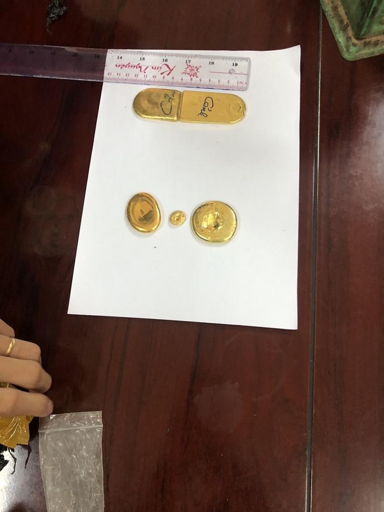 Số vàng có tổng trọng lượng 0,65kg