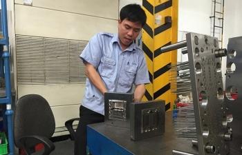 PMI Việt Nam tiếp tục giảm, nhà sản xuất lo ngại về nhu cầu thị trường