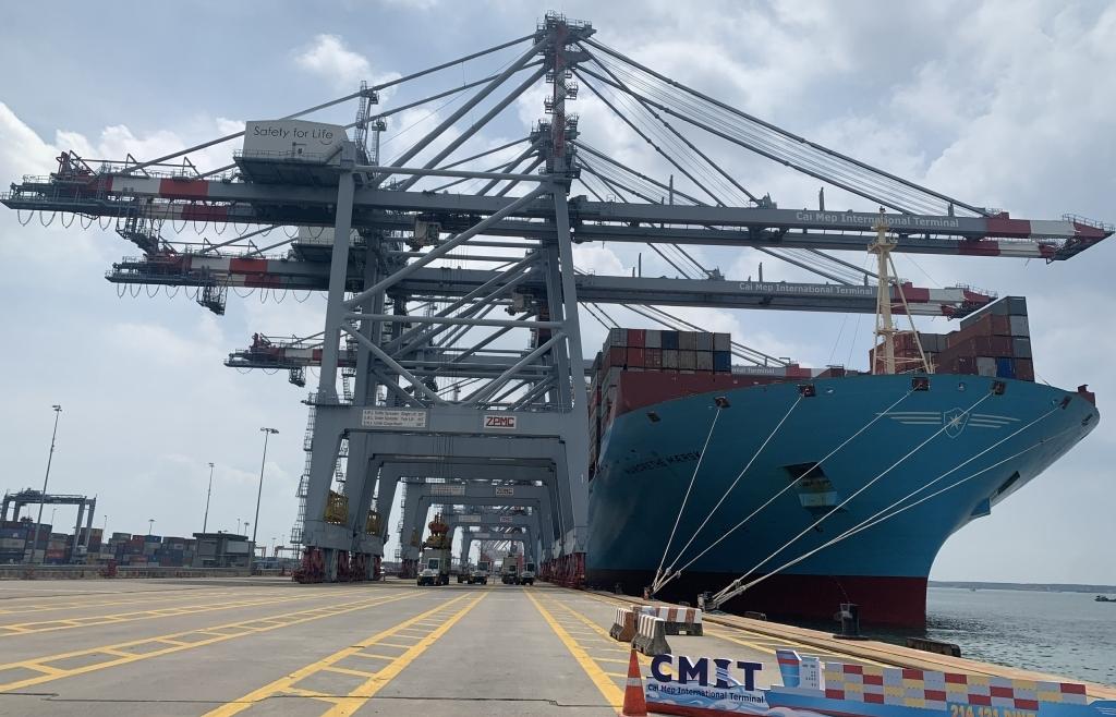 """Đón """"siêu tàu"""" container, Cái Mép vào Top 20 cảng lớn nhất thế giới"""
