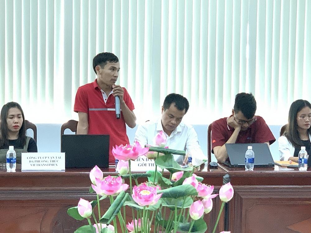 Đại diện doanh nghiệp nêu vướng mắc tại hội nghị