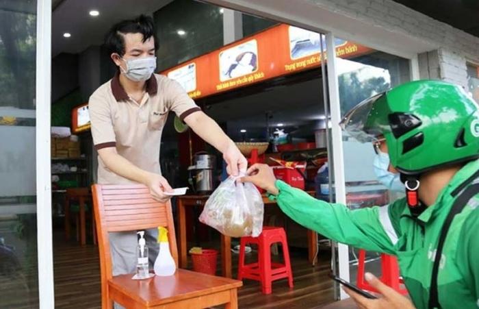 Đề xuất cho phép các quán ăn tại TPHCM được phục vụ tại chỗ