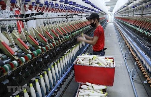 Bức tranh lợi nhuận đối lập trong ngành dệt may