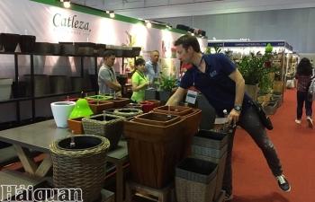 Ngành sản xuất Việt Nam tiếp tục trì trệ