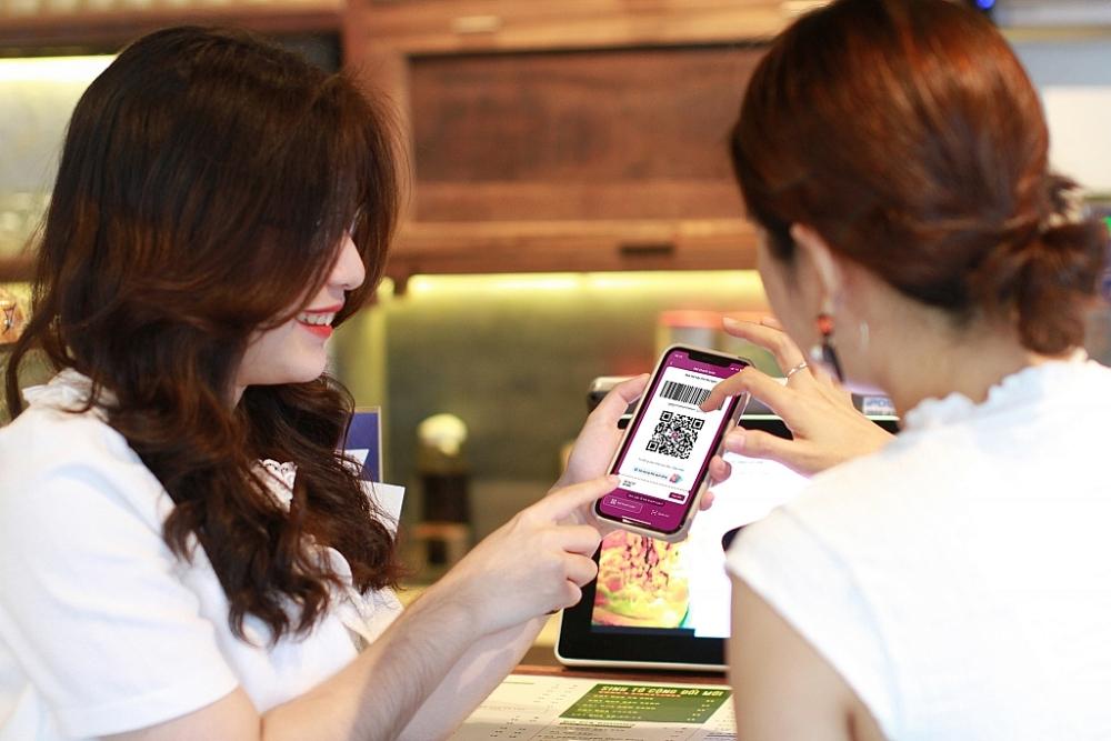 Người dùng có thể có thể thanh toán, mua sắm, tìm kiếm... hàng nghìn dịch vụ trên ứng dụng Ví MoMo