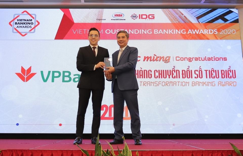 18 ngân hàng, 4 công ty fintech được vinh danh về sản phẩm, dịch vụ tiêu biểu