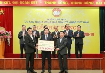 Tập đoàn Hưng Thịnh tài trợ 20 tỷ đồng cho các y, bác sĩ chống dịch Covid-19