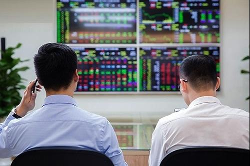 VN-Index tiếp tục thử thách vùng kháng cự 1.268-1.275 điểm