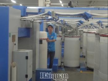 Hạn chế giao thương với Trung Quốc có thể khiến tăng trưởng kinh tế Việt Nam giảm 0,6-0,8%
