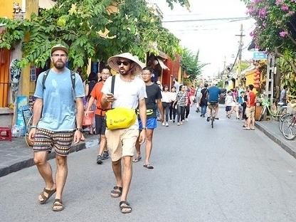 3,8 triệu lượt khách quốc tế đến Việt Nam trong 7 tháng
