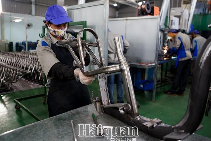 Dịch Covid-19 khiến sản xuất công nghiệp tháng 4 giảm mạnh
