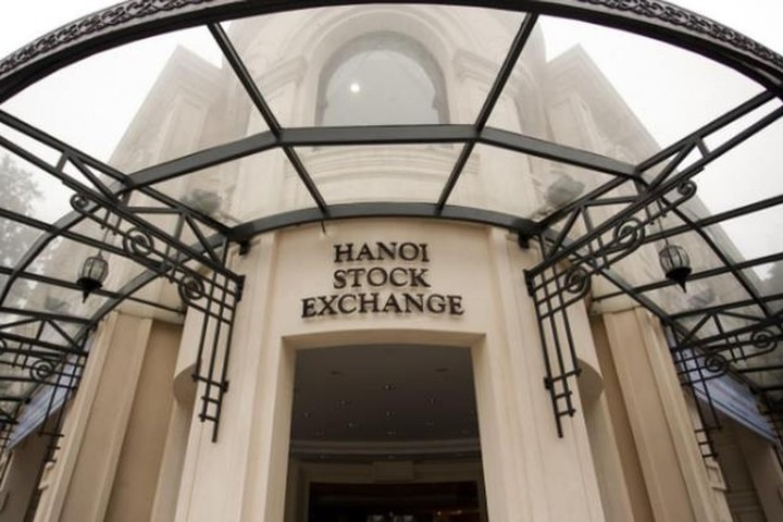 Giá trị vốn hóa thị trưởng cổ phiếu niêm yết HNX tăng 3,2%