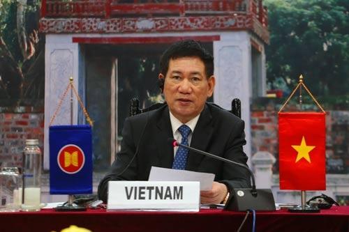 Bộ trưởng Hồ Đức Phớc dự Hội nghị Bộ trưởng Tài chính và Thống đốc Ngân hàng trung ương ASEAN+3