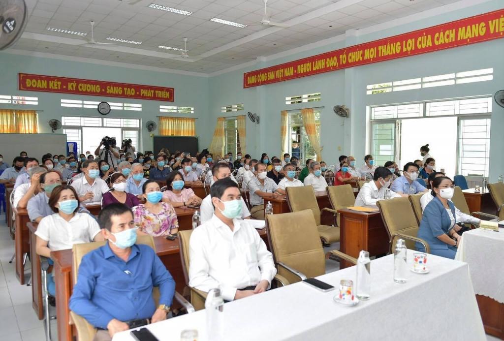 Bộ trưởng Hồ Đức Phớc tiếp xúc cử tri tại Bình Định