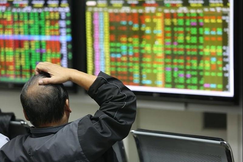 Nhà đầu tư nên giữ bình tĩnh, chờ thời điểm thị trường hồi phục để giảm tỷ trọng