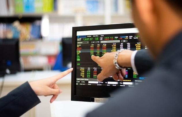 Chọn cổ phiếu nào cho giai đoạn hậu giãn cách?