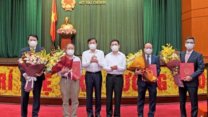 Trao quyết định bổ nhiệm hai Thứ trưởng Bộ Tài chính