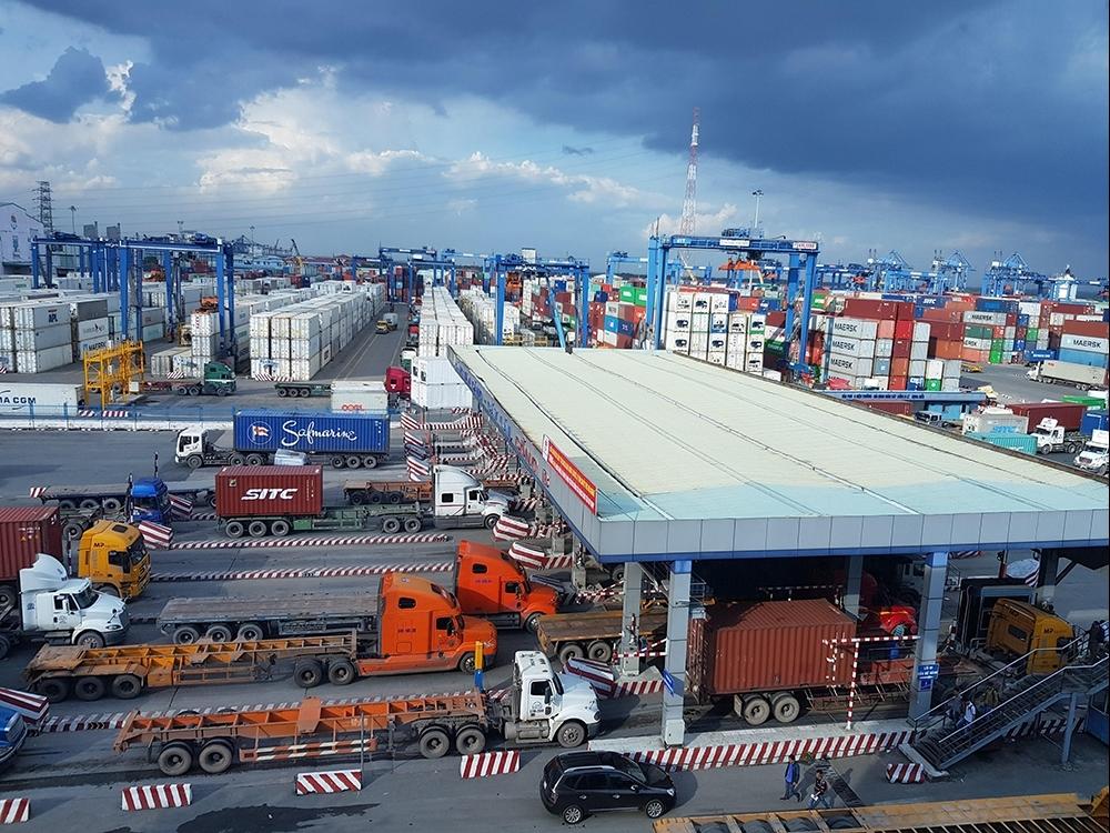Bộ Tài chính phối hợp giải quyết tình trạng hàng hóa nhập khẩu đang ùn tắc tại cảng Cát Lái