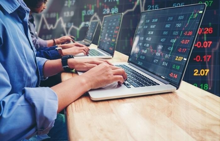 """Chứng khoán phái sinh giúp giảm các """"cú sốc"""" trên thị trường chứng khoán"""