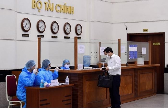 Bộ Tài chính yêu cầu tiếp tục tăng cường các biện pháp phòng, chống dịch tại trụ sở làm việc
