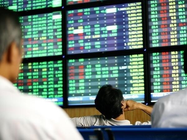 VN-Index có thể sẽ sớm vượt hoàn toàn ngưỡng 1.355 điểm