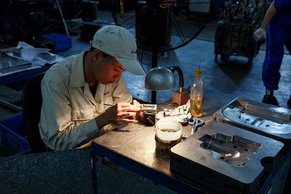 Sản xuất công nghiệp tháng 10 tiếp tục khởi sắc