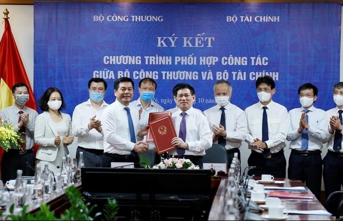 Ký kết chương trình phối hợp công tác giữa Bộ Công Thương và Bộ Tài chính