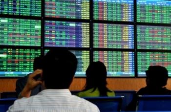 VN-Index có thể sẽ tiếp tục rung lắc khi áp lực chốt lời gia tăng