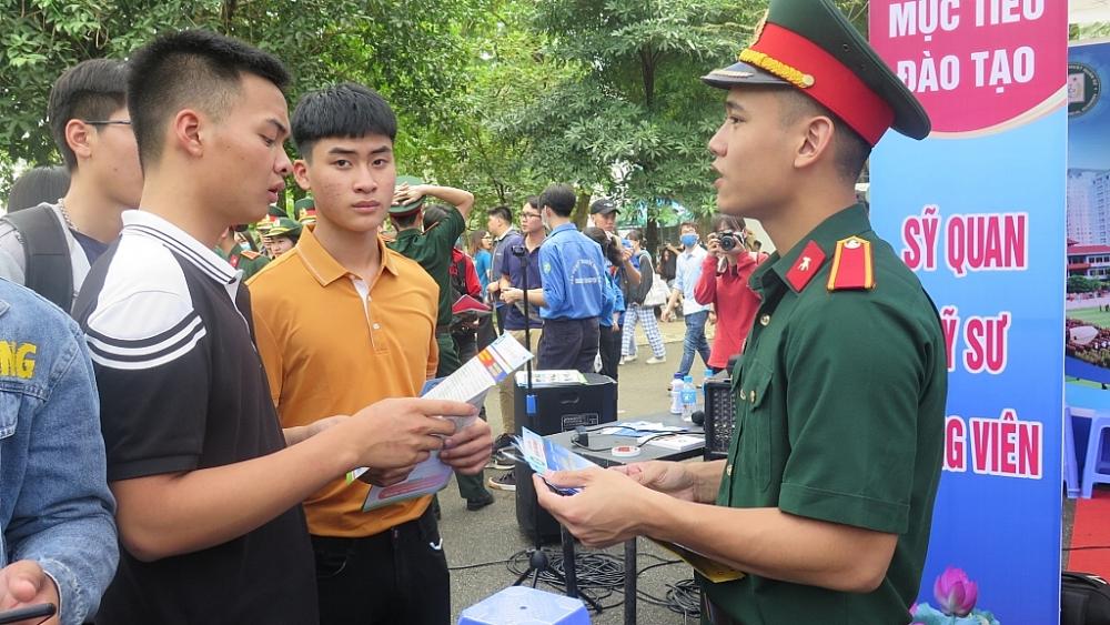 năm 2021, trong quân đội có 17 trường tuyển sinh đại học, cao đẳng với gần 5.400 chỉ tiêu. Ảnh ĐH