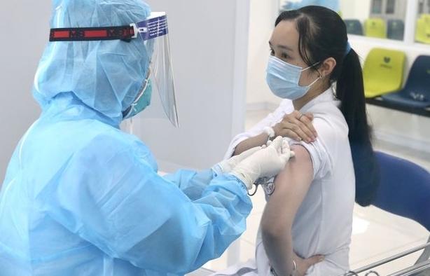 Đông máu do tiêm vắc xin phòng Covid-19 có thể xử lý ở tuyến cơ sở