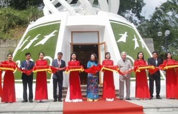 Khánh thành nhà lưu niệm Bác Hồ tại cửa khẩu Bắc Luân