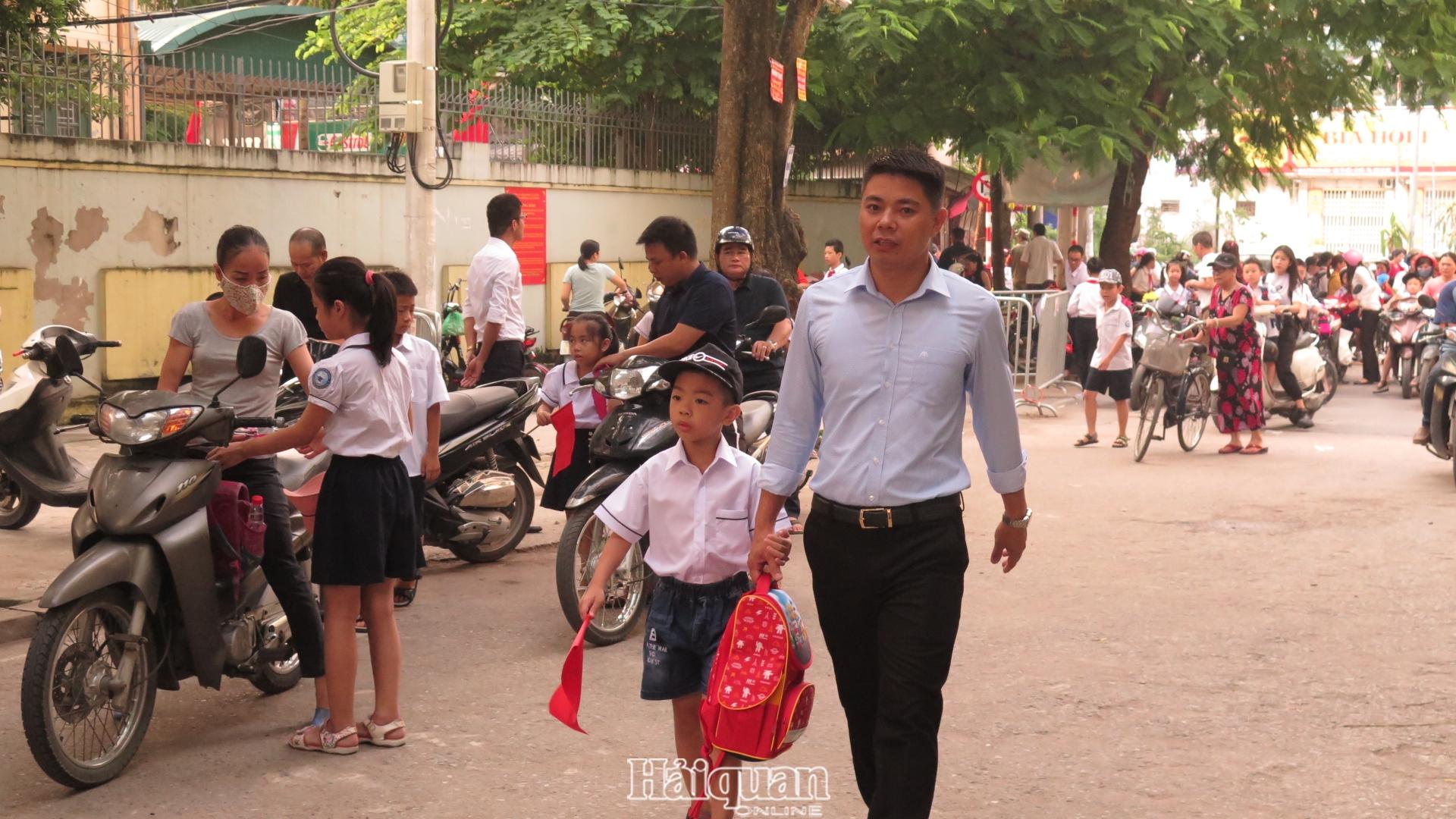 Hà Nội dự kiến cho học sinh trở lại trường từ ngày 2/3
