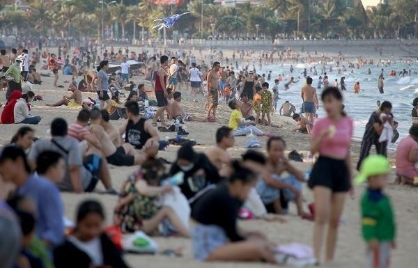Đề nghị các tỉnh, thành phố xem xét dừng hoạt động quán bar, karaoke, vũ trường, game