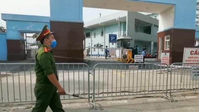 """Bộ trưởng Y tế Nguyễn Thanh Long: """"Chúng ta được đặt trong tình trạng báo động rất cao"""""""