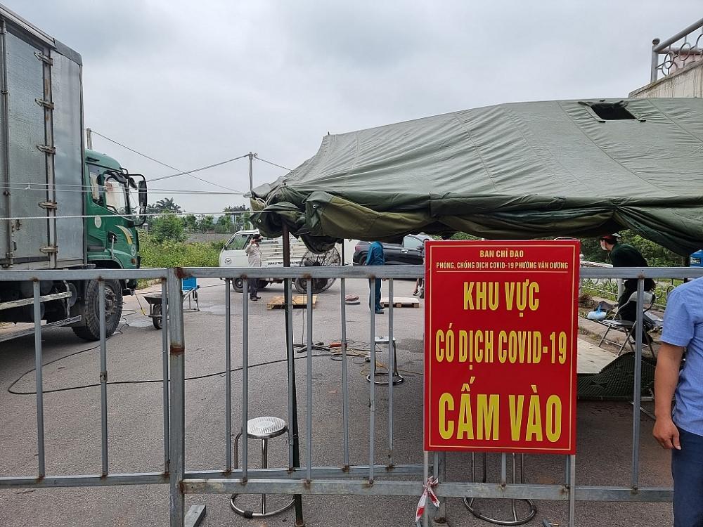 Bắc Ninh lập chốt cách ly để kiểm soát dịch. Ảnh Tuấn Dũng