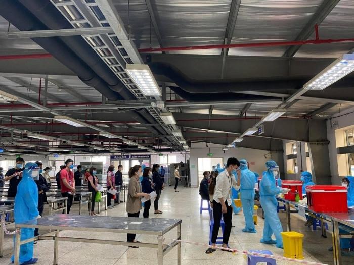 Bắc Giang lấy mẫu xét nghiệm Covid-19 cho hơn 80.000 công nhân