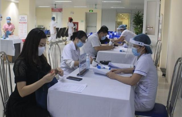 Tiêm chủng vắc xin Covid-19: Quy trình chặt chẽ, mức độ an toàn cao nhất